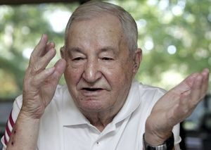 Holocaust survivor and Nazi resistance fighter Henry Barbanel tells his story.KEN YUSZKUS/Staff photo